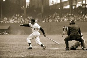 willie-mays-1957-polo-grounds